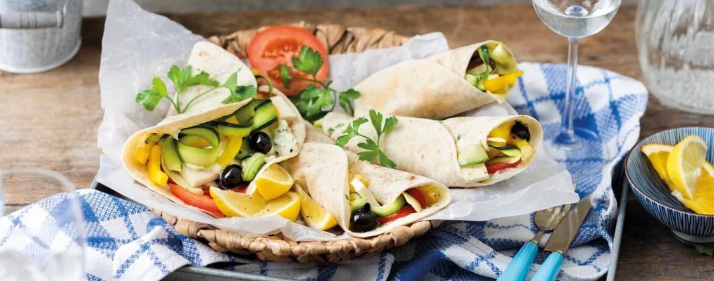 Vegane Wraps mit Tomaten-Zucchini-Füllung