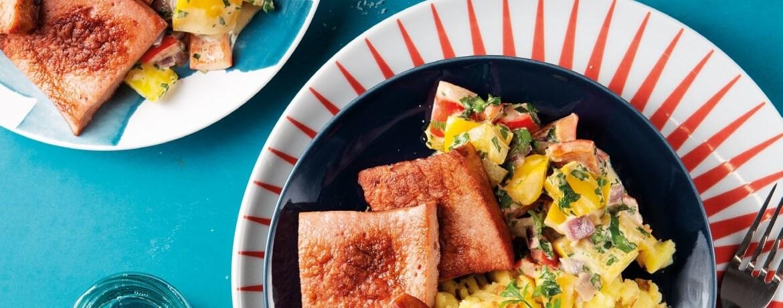 Leberkäse mit Paprika-Senf-Gemüse und Kartoffel-Zwiebel-Püree