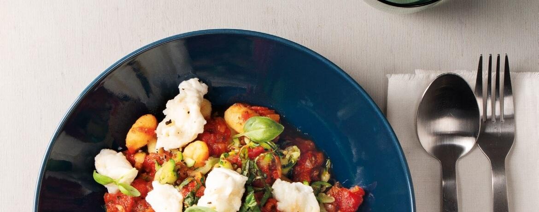 Gnocchi al Pomodoro mit Zucchinigemüse