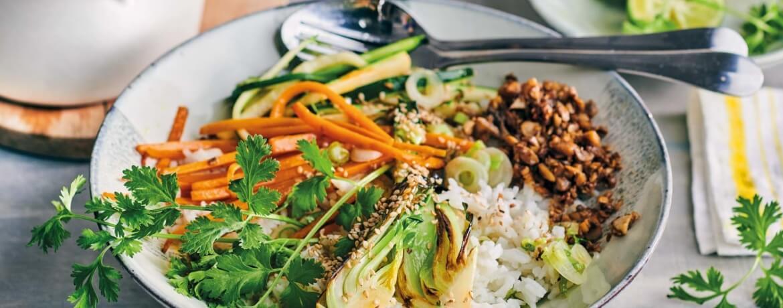 Bibimbab mit Pilz-Hack und buntem Gemüse