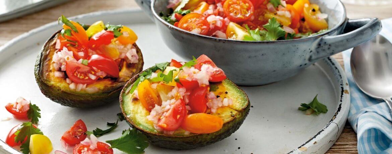 Gebratene Avocado mit Tomatensalsa