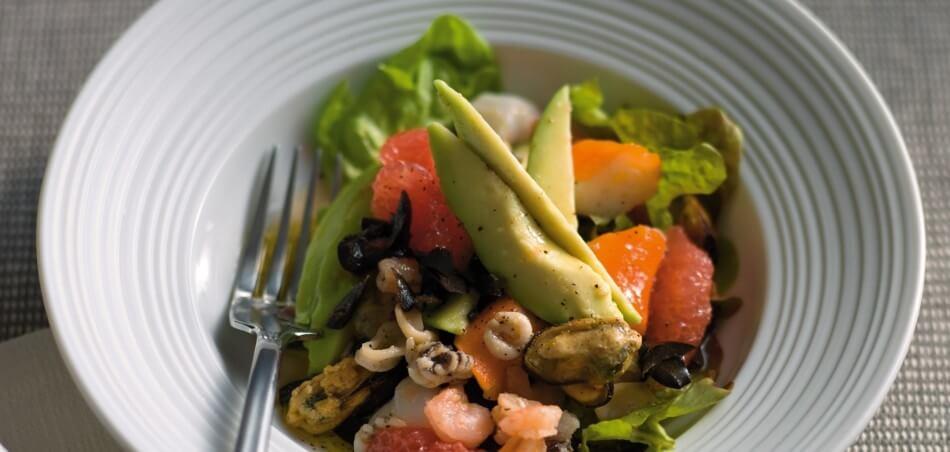 Avocado-Grapefruit-Salat mit Meeresfrüchten