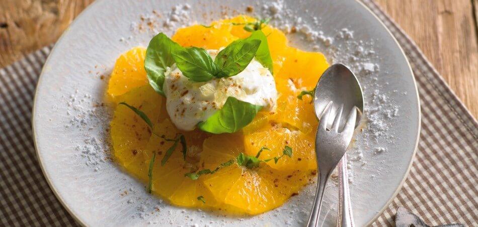 Orangensalat mit Zitronen-Zimt-Creme
