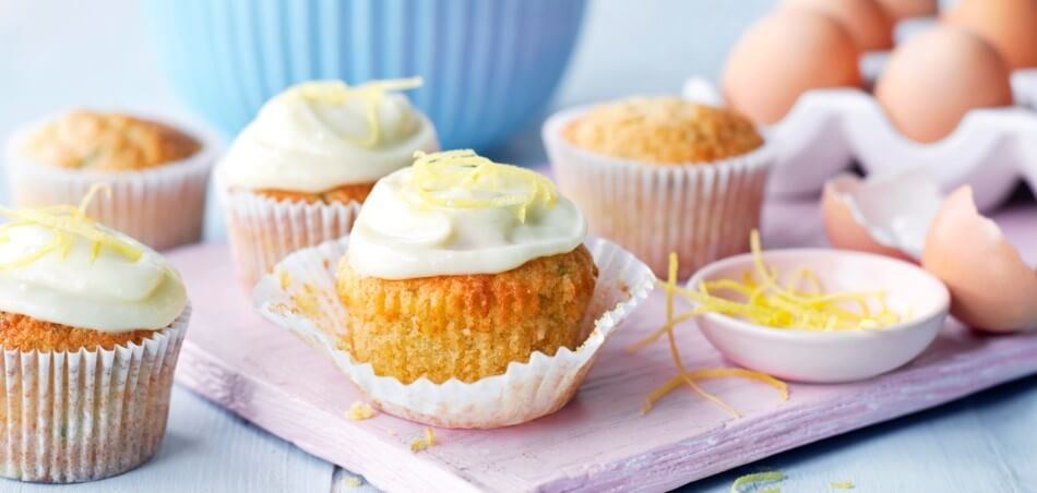 Haselnuss-Zucchini-Cupcakes mit Zitronencreme