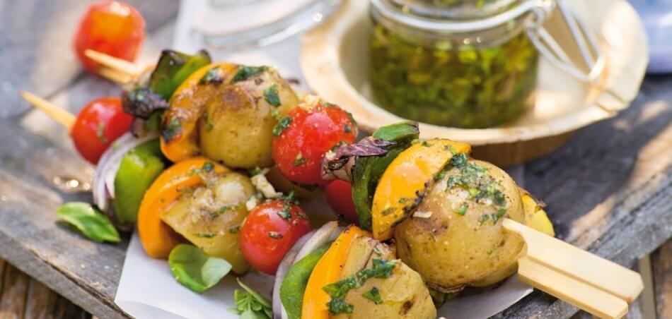 Bunte Gemüse-Spieße mit Aprikosen