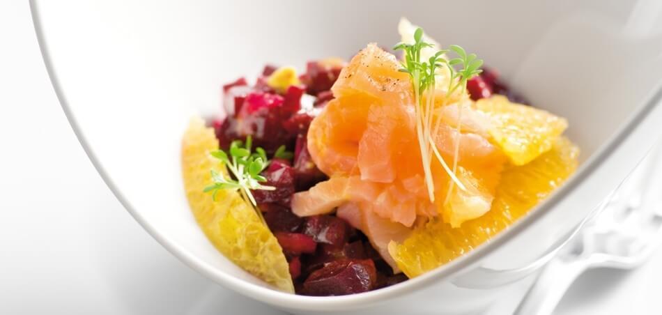 Rote-Bete-Orangen-Salat mit Lachs
