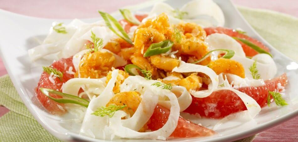 Grapefruit-Fenchel-Salat mit Kokosgarnelen