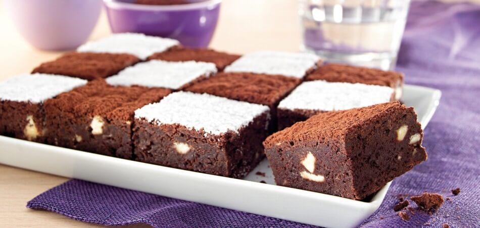 Brownies mit weißer und dunkler Schokolade