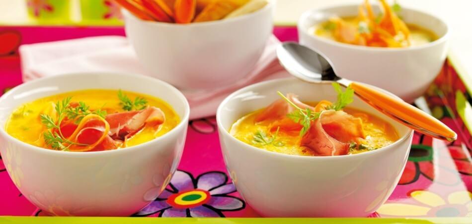 Karottensuppe mit Schinken