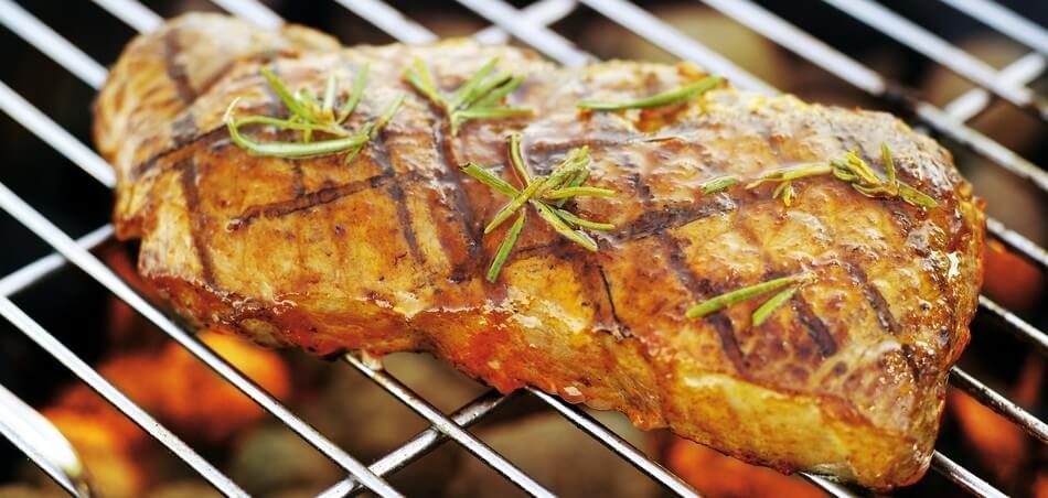 Marinierte BBQ-Steaks