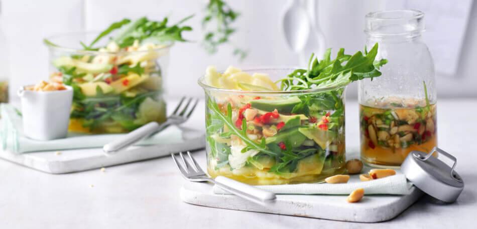 Avocado-Ananas-Salat mit Erdnussdressing