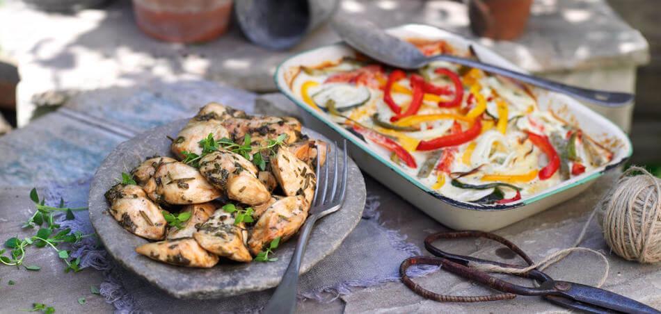 Kräuterhähnchen mit Gemüsegratin