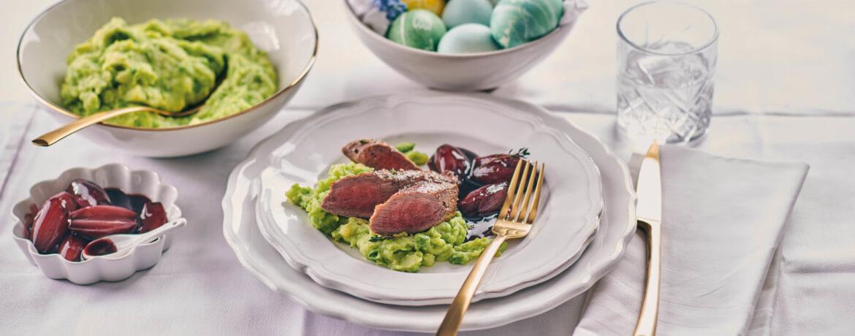 Lammfilets mit Rotweinschalotten und Kartoffel-Erbsen-Püree