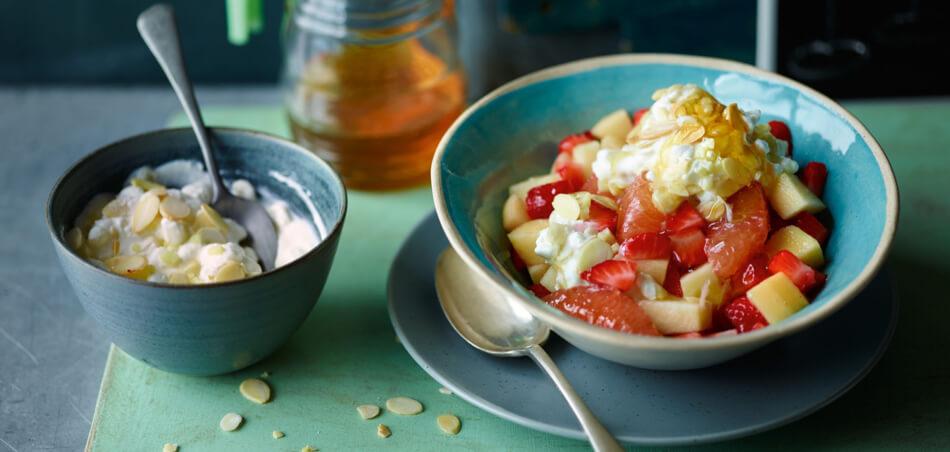 Joghurt mit Grapefruit-Salat