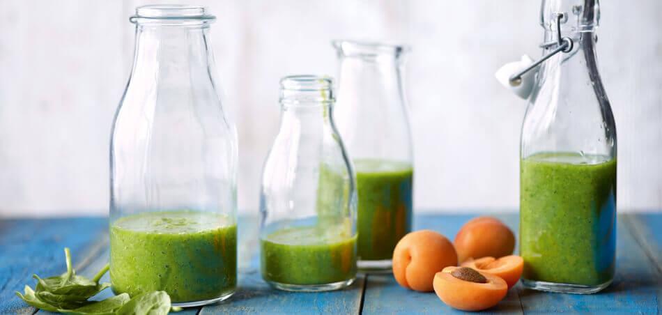 Spinat-Aprikosen-Smoothie