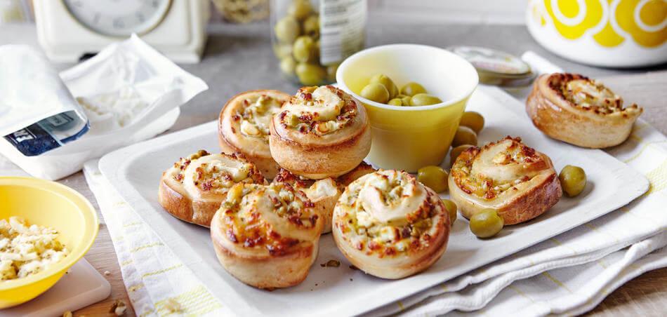 Pizzaschnecken mit Feta und Oliven
