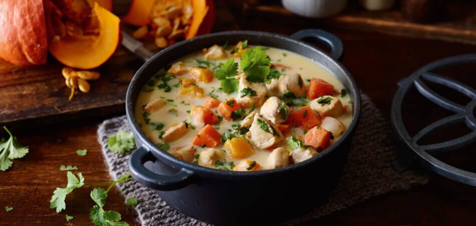 Kürbis-Kokos-Suppe mit Hähnchen