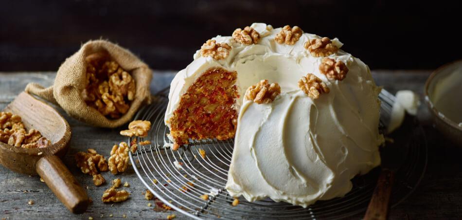 Saftiger Herbstgemüse-Walnuss-Kuchen