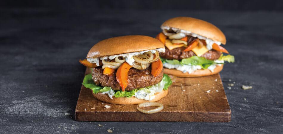 Pumpkin-Burger mit Zwiebelringen