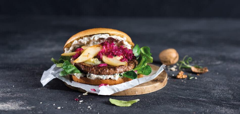 Winterburger mit Birne und karamellisierten Zwiebeln
