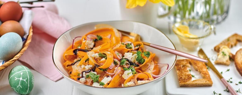 Karottensalat mit Apfel und Feta