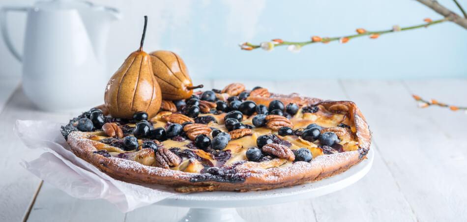 Heidelbeer-Birnen-Pfannkuchen aus dem Ofen