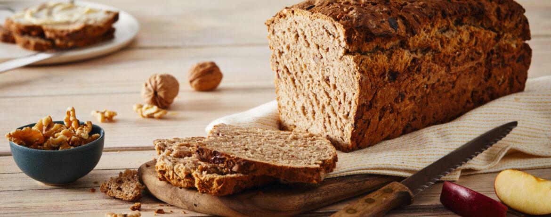 Schnelles Brot-Rezept mit Apfel und Walnüssen