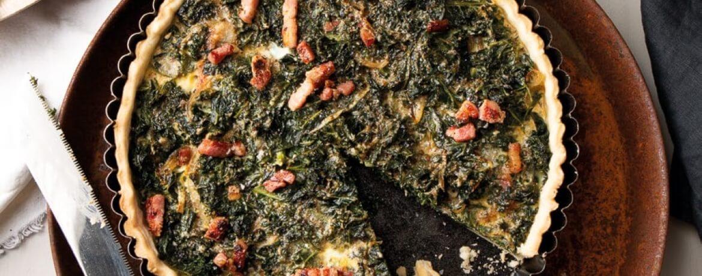 Winterliche Quiche mit Grünkohl und krossem Speck