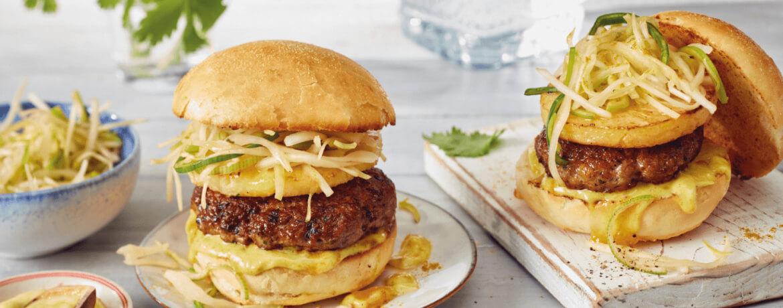 Asia-Burger mit Ananas und Currymayo