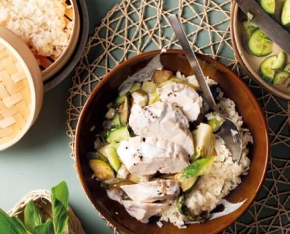 Kokos-Limetten-Hähnchen mit gebratenem Pak Choi und Langkornreis