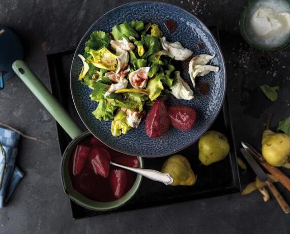 Endivien-Salat mit Bourdeaux-Birnen und Mozzarella