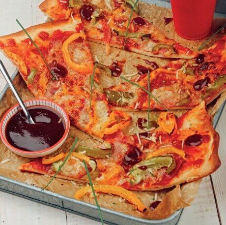 American BBQ-Salami-Pizza