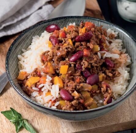 Würziges Chili con Carne mit Oreganoschmand und Basmatireis