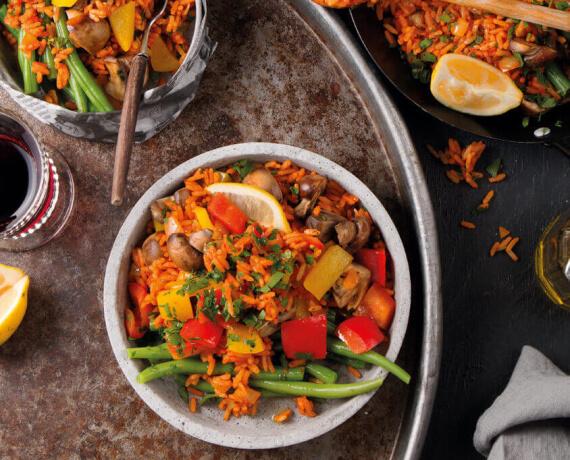 Bunte Gemüse-Reis-Pfanne mit Paprika, Champignons und Bohnen