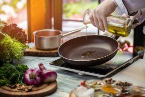 Kann man mit Olivenöl braten?