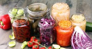 Muss man Gemüse aus Konserven vor dem Verzehr noch einmal kochen?