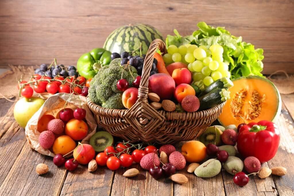 Obst und Gemüse - Stecken wirklich die meisten Vitamine in der Schale?